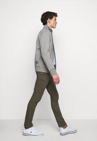 Polo Ralph Lauren - veste en sweat zippée - battalion grey - 4