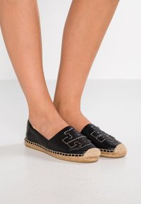 Tory Burch - INES - Espadrilky - perfect black/silver - 0