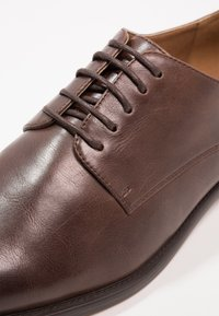Zalando Essentials - Business sko - light brown - 5