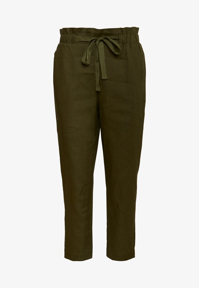 ESSENTIAL - Pantalones - winter moss