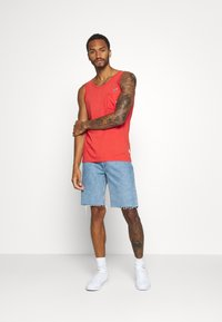 REVOLUTION - TANK WITH CHEST POCKET AND EMBROIDERY - Top - red - 1