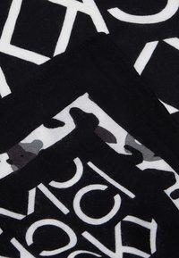 Calvin Klein - SCARF - Foulard - black - 2