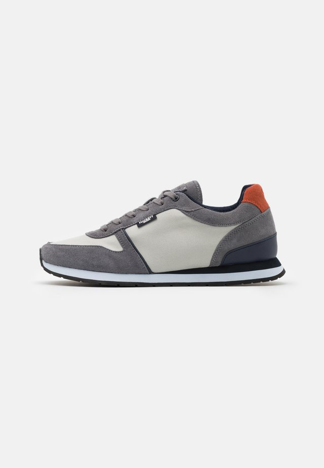 YORK EYELET TRAINER - Sneakers - grey