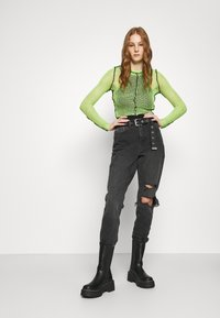 Topshop - WASHED BLACK SEOUL RIP MOM - Džíny Relaxed Fit - washed black - 1
