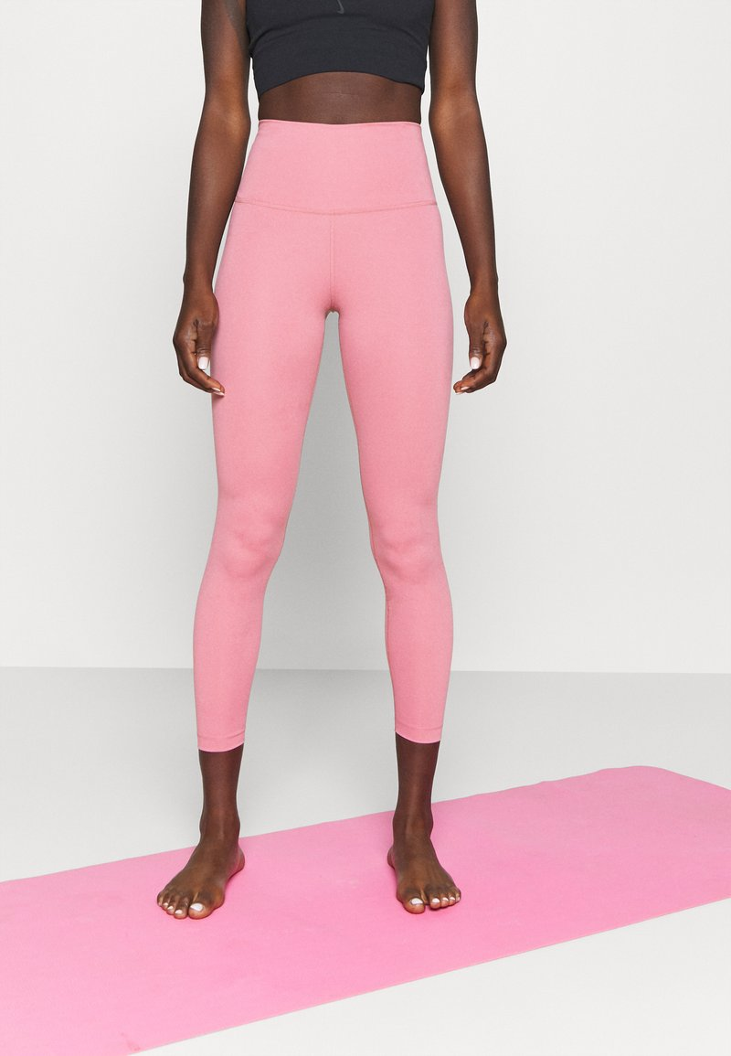 Nike Performance - THE YOGA 7/8 - Leggings - desert berry/heather/light arctic pink