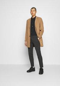 Only & Sons - ONSMAXIMUS COAT - Classic coat - camel - 1