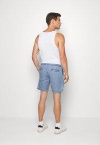 INDICODE JEANS - DRUMMONDVILLE - Denim shorts - mid indigo - 2