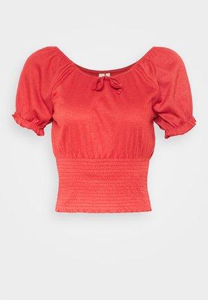 PCANNIE - Print T-shirt - chili oil