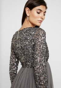 Maya Deluxe Maternity - LONG SLEEVE WRAP MIDI DRESS WITH DELICATE SEQUIN EMBELLISHMENT - Robe de soirée - charcoal - 5