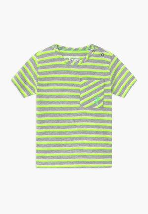 TEIJO - T-shirt print - safety yellow