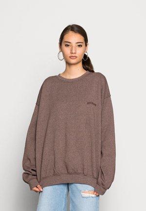 CREWNEWCK  - Sweatshirt - chocolate
