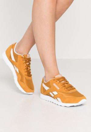 CLASSIC - Sneakersy niskie - ricoch/white