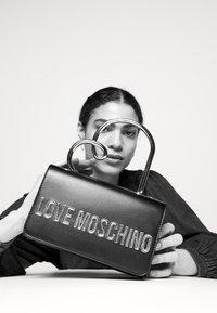Love Moschino - Handbag - nero - 1