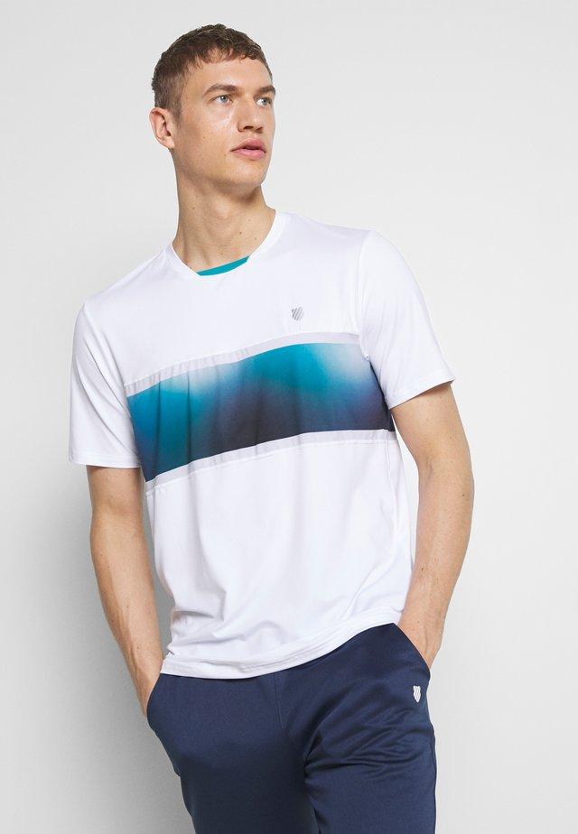 HYPERCOURT EXPRESS CREW TEE  - T-shirt med print - white/algiers blue