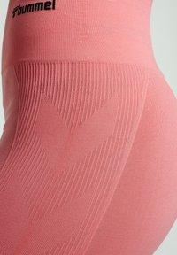 Hummel - SEAMLESS - Shorts - sugar coral - 3