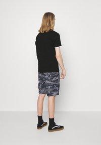 Ellesse - MEDUNO TEE - T-shirt imprimé - black - 2