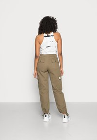 BDG Urban Outfitters - AUTHENTIC CARGO PANT - Cargo trousers - khaki - 2