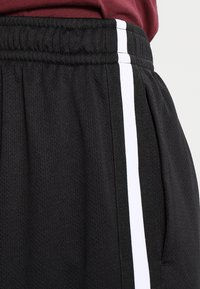 Urban Classics - STRIPES - Pantalon de survêtement - black/black/white - 3