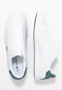 Lacoste - GRADUATE  - Trainers - white/dark green - 3