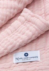 Nordic coast company - 4-IN-1 - Muslin blanket - rose - 3