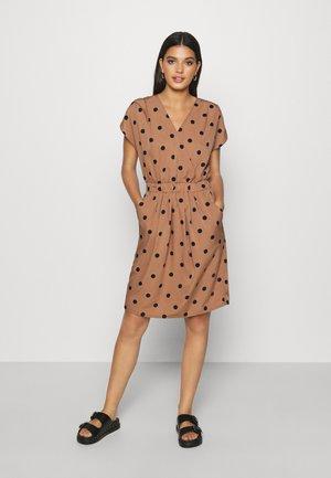 IHBRUCE - Day dress - brown/black