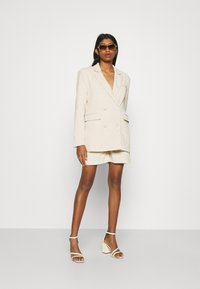 4th & Reckless - ANDERSON - Shorts - cream - 1