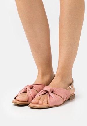 Sandals - ash rose