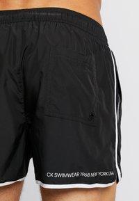 Calvin Klein Swimwear - RUNNER - Shorts da mare - black - 1
