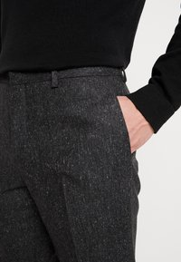 Shelby & Sons - CRANBROOK SUIT - Completo - charcoal - 7