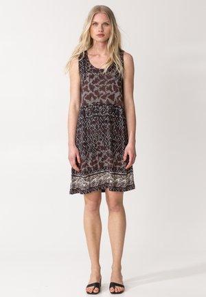 DANYLYNN - Jersey dress - brown