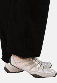 Winshape - Outdoor trousers - schwarz - 8