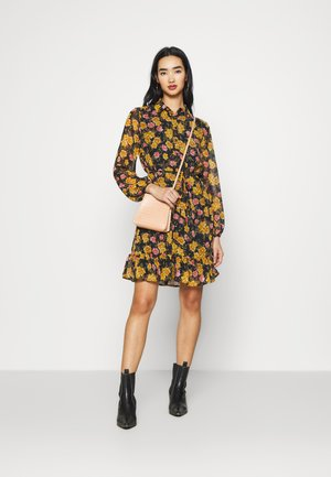PCTHILDE DRESS - Shirt dress - black