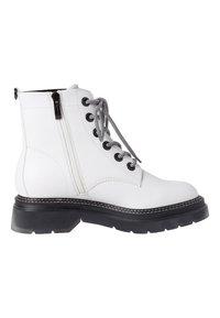 Tamaris - Platform ankle boots - white/black - 6
