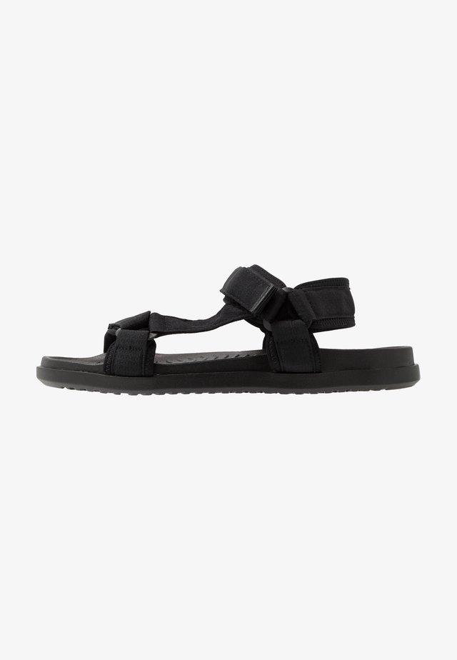 TAKASHI - Chodecké sandály - black