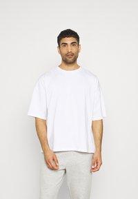 NU-IN - OVERSIZED CREW NECK - T-paita - white - 0