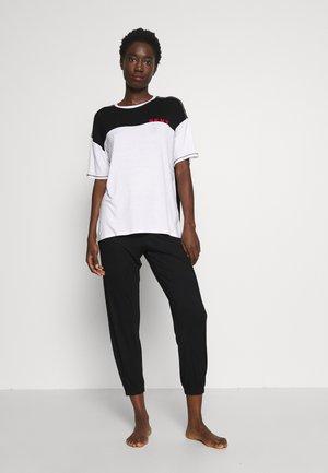TEE CROP JOGGER SET - Pyžamo - black