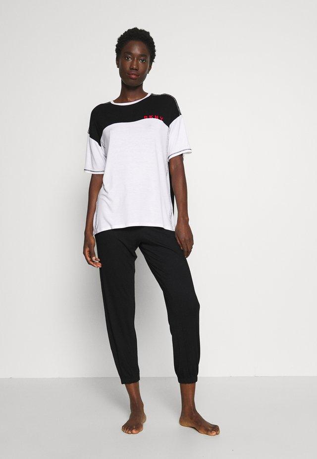 TEE CROP JOGGER SET - Pijama - black