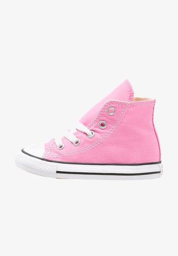 CHUCK TAYLOR ALL STAR - Höga sneakers - pink