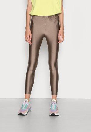 ONLLINA SHINY - Leggings - Trousers - walnut