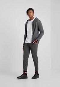 HUGO - DOAK - Pantalon de survêtement - open grey - 1
