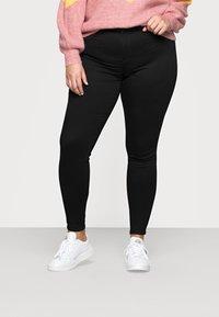 Noisy May Curve - NMCALLIE SKINNY JEANS  - Jeans Skinny - black denim - 0