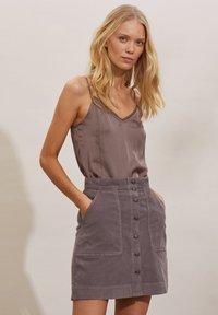 Odd Molly - HOLLY - Mini skirt - steel grey - 3