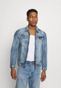 Brave Soul - Giacca di jeans - blue denim - 0