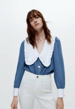 MIT KRAGEN  - Button-down blouse - blue