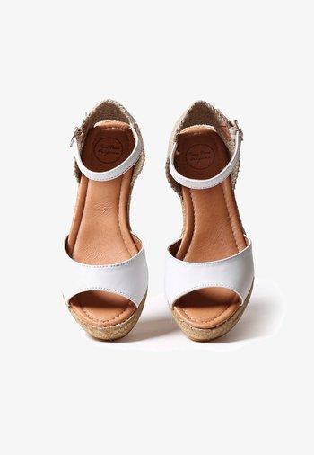 LLIVIA-P - Platform heels - white