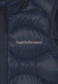 Peak Performance - HELIUM UNISEX - Waistcoat - blue shadow - 2