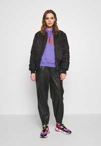 Weekday - DEANNA TROUSER - Trousers - black - 1