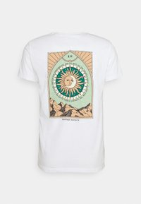 Kaotiko - SUN WASHED - Print T-shirt - white - 1