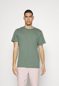 Hollister Co. - SOLID EXCLUSIVE 3 PACK - T-shirt basic - white/beige/olive - 4