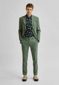 Selected Homme - Trousers - dark green - 1